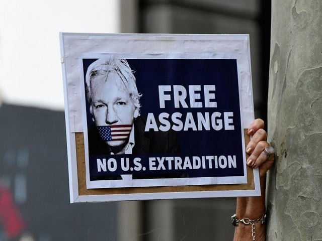 British judge denies delay at Julian Assange extradition hearing
