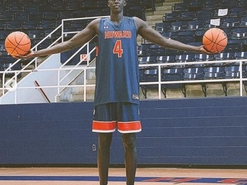 LEADING THE CHARGE: Top College B'Ball Recruit Makur Maker Makes History Committing To Howard University!