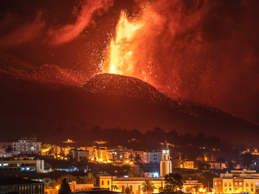 Canary Islands Volcano Enters 'New Explosive Phase', Suspending All Flights