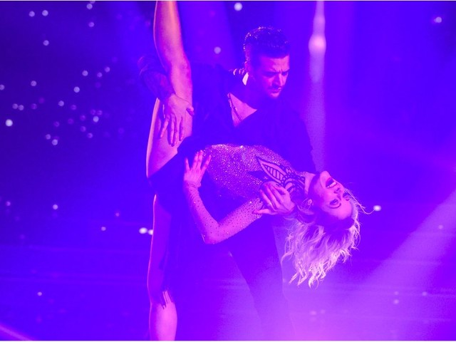 Lindsey Stirling's DWTS Performance Is the Only One You Need to Watch