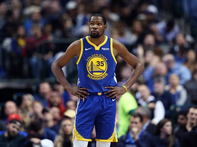 Knicks remove photo featuring Kevin Durant from pitch to season-ticket holders