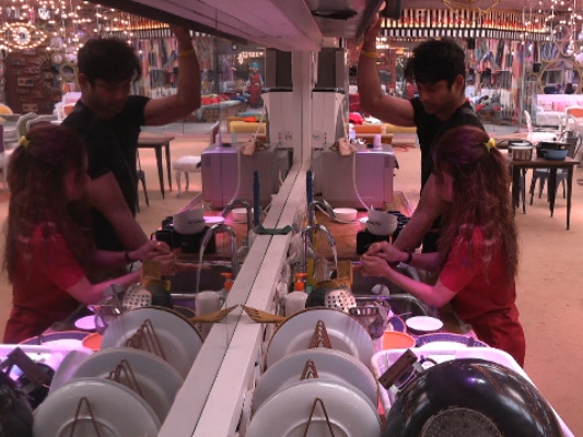 'Bigg Boss 13': What's Cooking Between Sidharth Shukla And Devoleena?