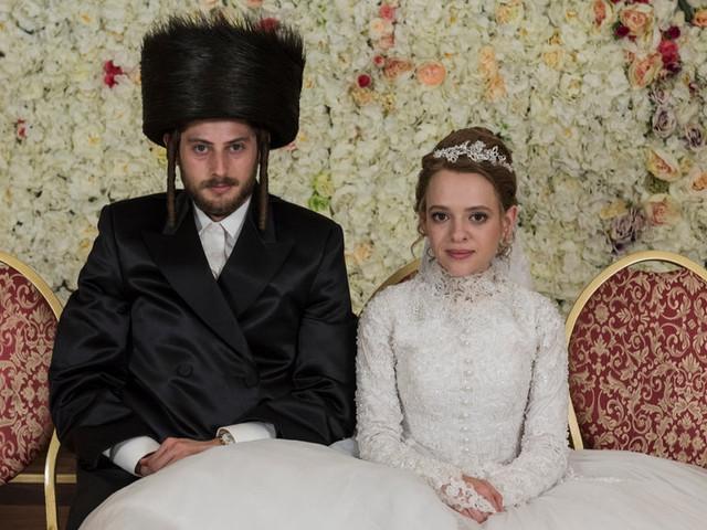 How 'Unorthodox' Captured One Woman's Flight From Hasidic Brooklyn