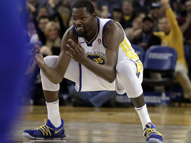 Warriors' Kevin Durant cleared to play vs. Thunder