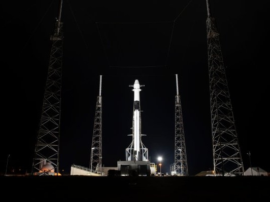 Watch SpaceX launch a new 'robot hotel' and more to the Space Station live