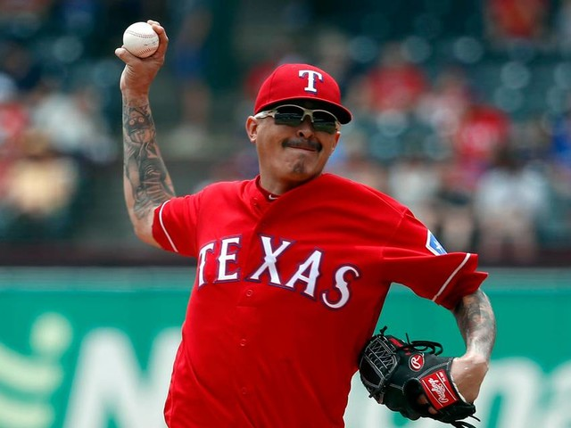 Rangers complete sweep of Mariners, win fourth in a row