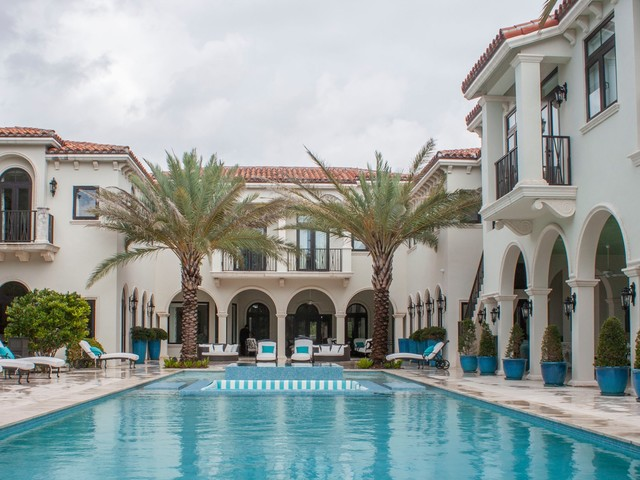 I got a tour of the only home for sale on Miami's 'Billionaire Bunker,' a private island that hedge-fund billionaires and celebs call home. Here's a look inside the $24 million mansion.