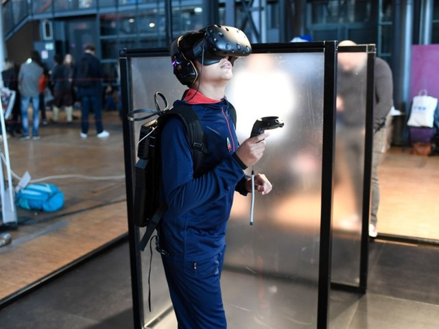 Eight Rules to Help You Stay Safe in Virtual Reality