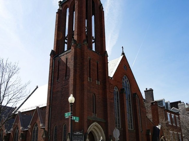 Hundreds of DC churchgoers urged to self-quarantine after Episcopal priest who served communion tests positive for coronavirus