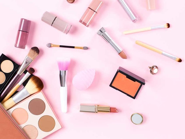 Cosmetics Are a Menace — But You Have Options