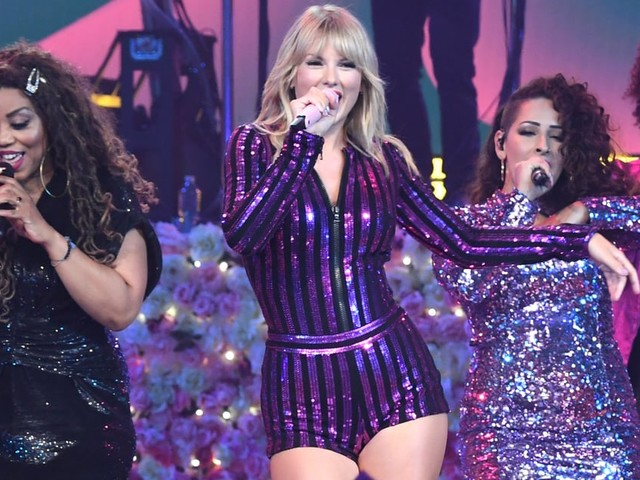 Taylor Swift Not-So-Subtly Calls Out Scooter Braun During Amazon's Prime Day Concert