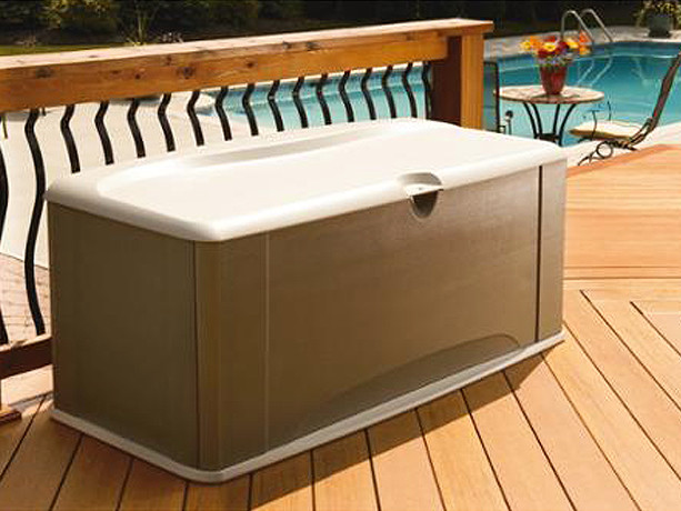 Walmart.com: Rubbermaid 121-Gallon Deck Box with Seat JUST $114.90 + FREE Shipping