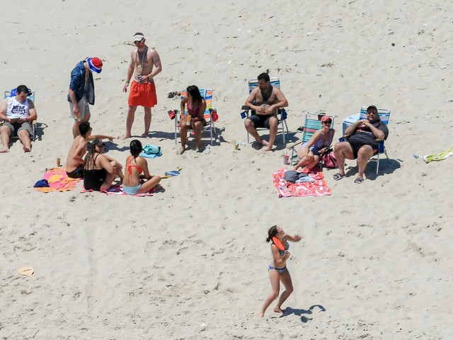 Christie could be last N.J. governor caught on beach closed to the public