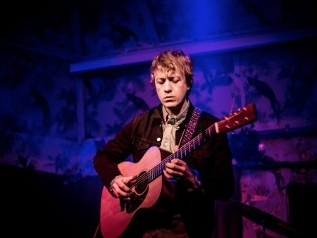 Steve Gunn unveils new tracks Be Still Moon and Shrunken Heads