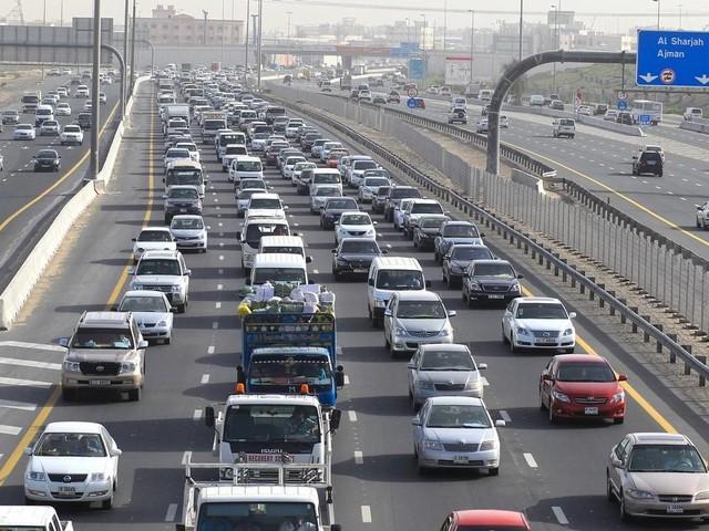 Huge tailbacks on Dubai-Sharjah roads on Sunday morning