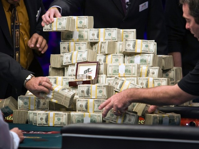 Cash was the best-performing asset of 2018. Here's what 'going to cash' means.