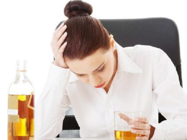 Are Women Without Children Drinking More These Days?