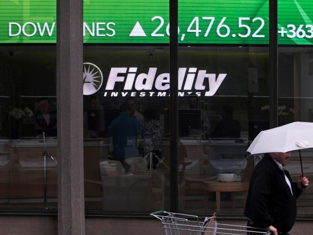 Fidelity's enterprise-cloud-computing group is cutting as many as 100 jobs following a leadership shuffle