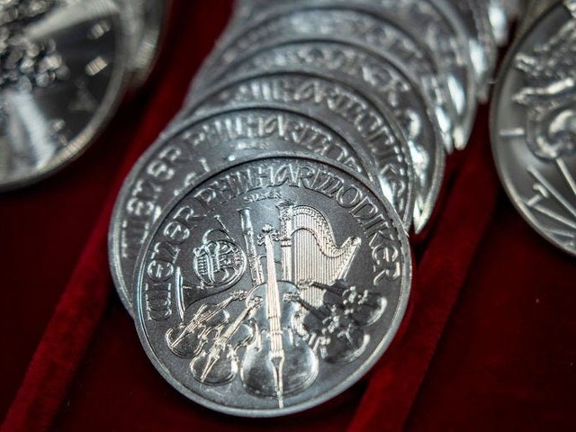 Silver's biggest monthly price drop in 9 years suggests the market's love affair with it is over