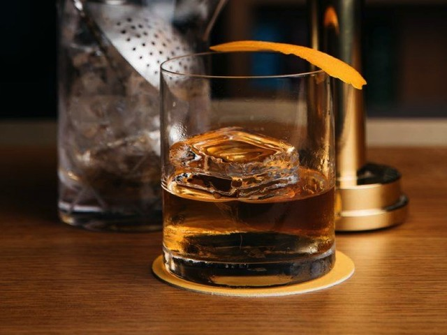 The Friday Cocktail — Manhattan Goes Hollywood
