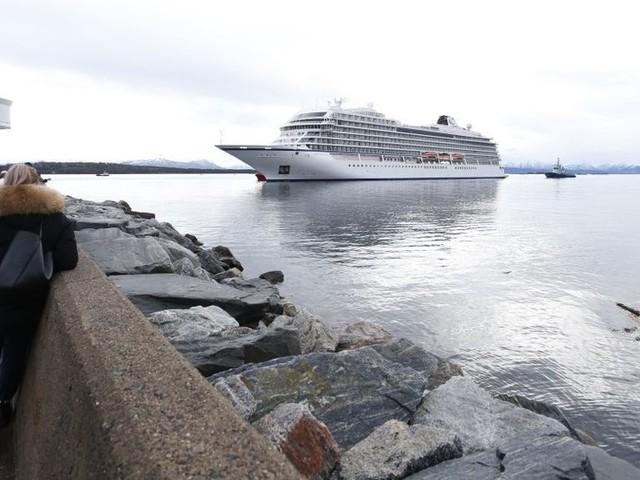 Viking Sky cruise ship safely arrives at Norwegian port after engine disaster