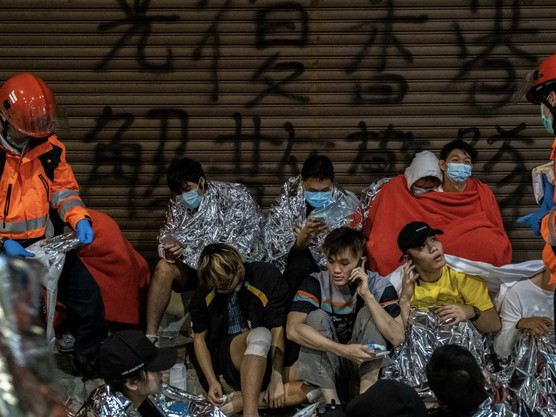 Last 100 'PolyU' Protesters Resist Hong Kong Police As Dozens Stage Daring Escape