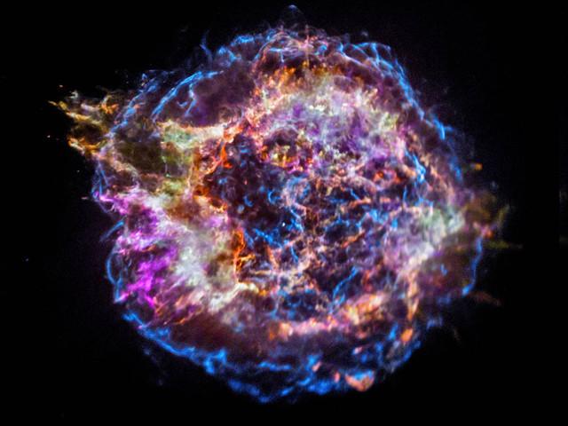 'Alien' grain of dust from ancient star found in Antarctica