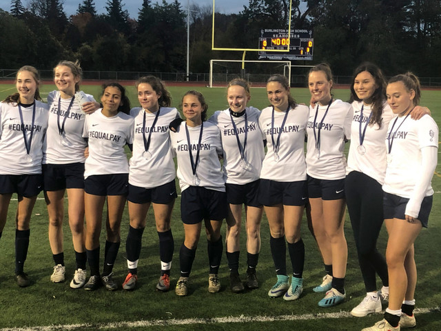 Vermont girls soccer team penalized for wearing 'equal pay' shirts