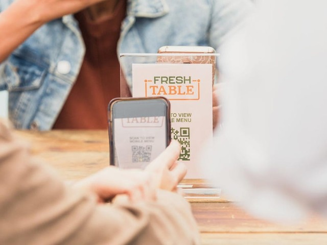 That online menu you read by scanning a QR code might still be tracking you, and privacy experts are worried