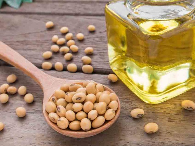Soybean Oil: Lurking Danger in Processed Foods