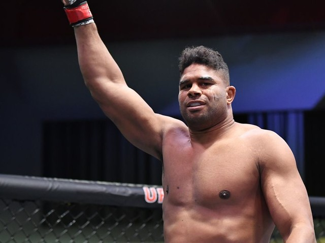 Overeem signs multi-fight deal with GLORY