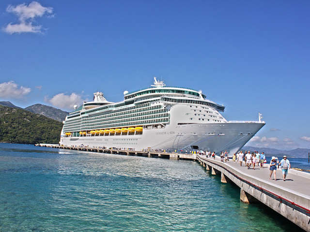 Royal Caribbean adds Navigator of the Seas to new app