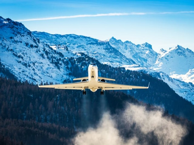 How to Upgrade Alaska Airlines Flight with Points