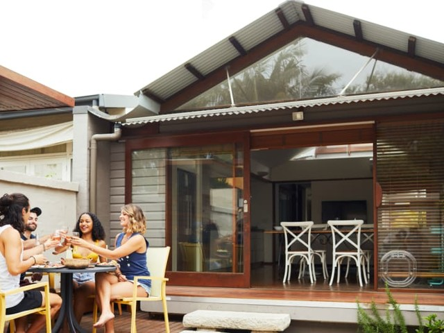 How to Sell Your Own Home: Pros, Cons and Best Practices