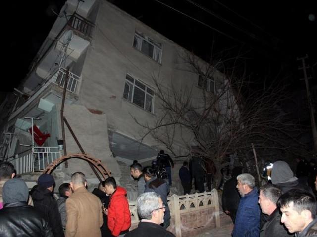 Magnitude-6.8 earthquake hits Turkey, four dead