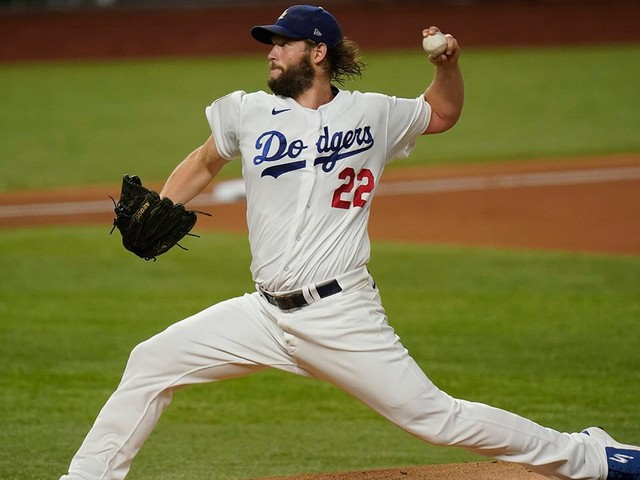 Clayton Kershaw delivers vintage performance to help Dodgers to Game 1 win