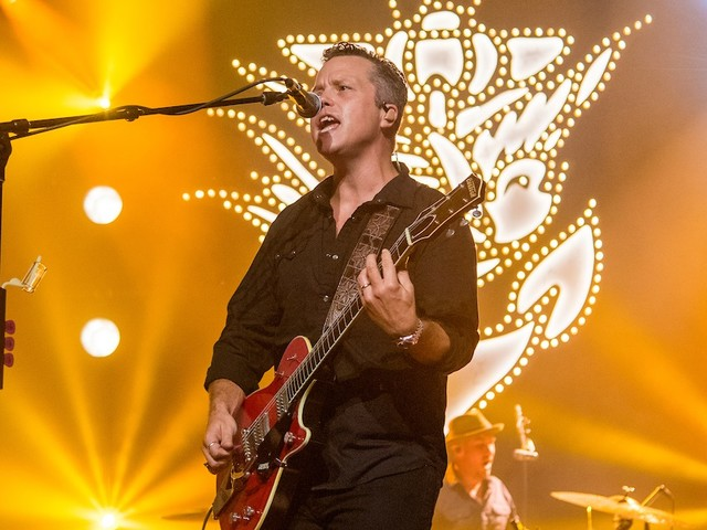 Jason Isbell & The 400 Unit Cover Creedence Clearwater Revival In Peoria