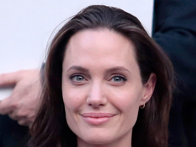 Angelina Jolie Twitter
