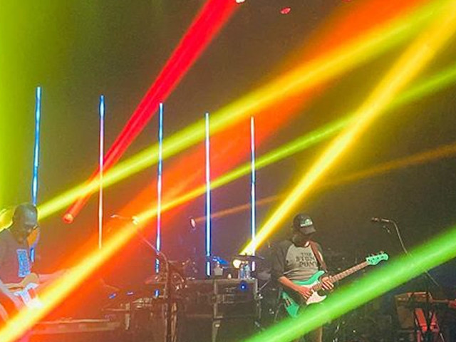 moe. Busts Out Pink Floyd Cover In Buffalo