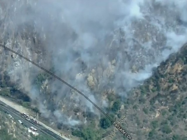 LIVE: Structures Still Threatened, 30 Acres Burned In Pacific Palisades