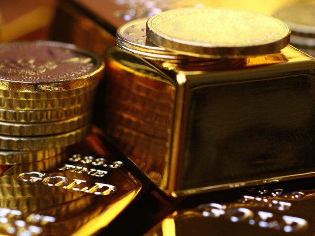 How to buy gold to diversify your portfolio and help shield against market downturns
