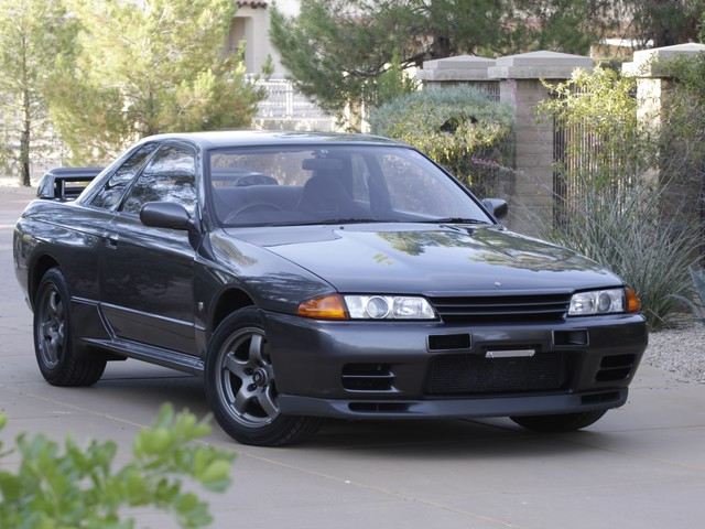 How to legally import the Nissan Skyline GT-R (or other not-sold-in-America car) of your dreams