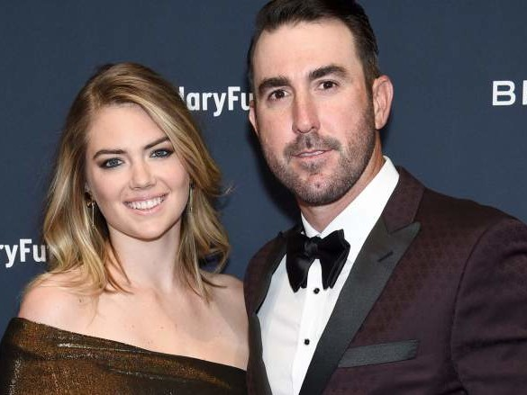 Justin Verlander's Wife Kate Upton & Daughter Cheer on Astros