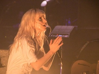 Paramore shows grown up side at sold out Akron concert (photos)