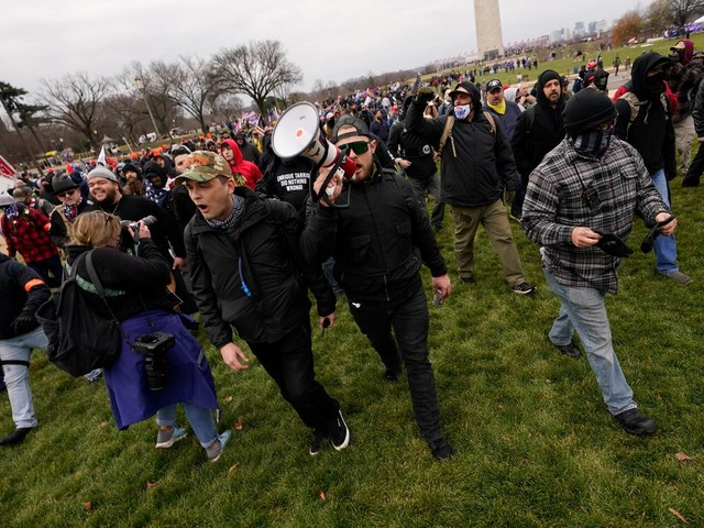 U.S. judge releases Washington state Proud Boys leader arrested in Capitol riot after prosecutors withdraw several allegations