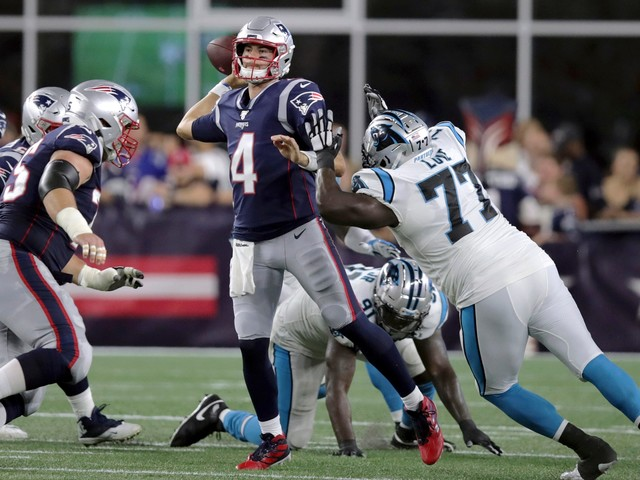 Newton injures foot, Brady solid in Patriots' 10-3 win