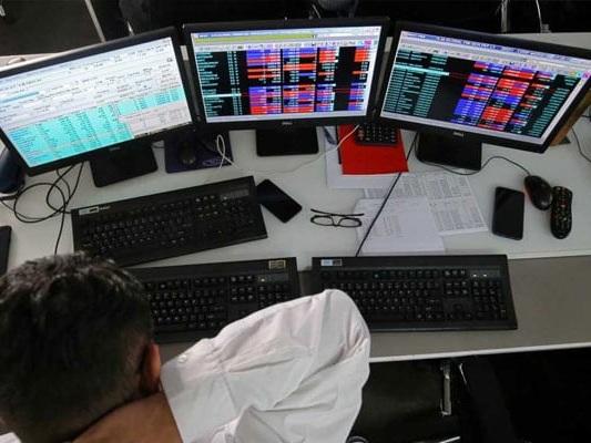 Sensex, Nifty Plunge On Weak Global Cues; Banking, Metal Stocks Worst Hit