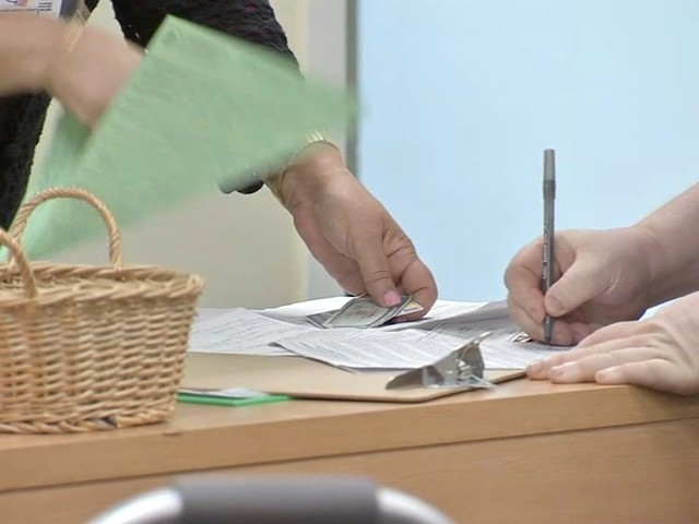 It's Tax Day: We check in with last minute filers