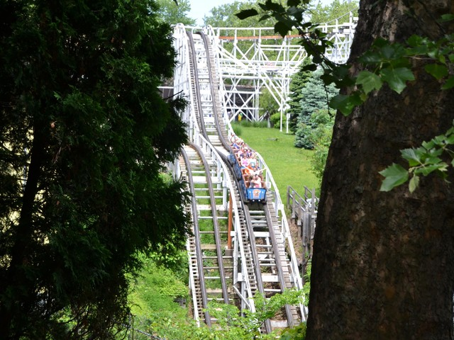 Take a ride back in time at Kennywood amusement park, a Pittsburgh institution