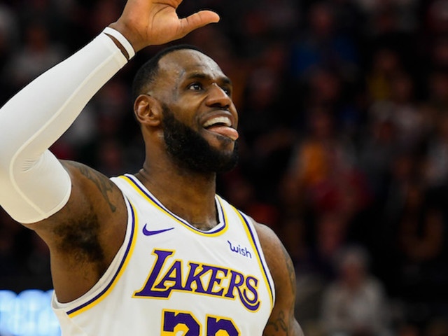 LeBron James Called Out by Commentators for Celebrating on Court With No Shoes During Jazz Game